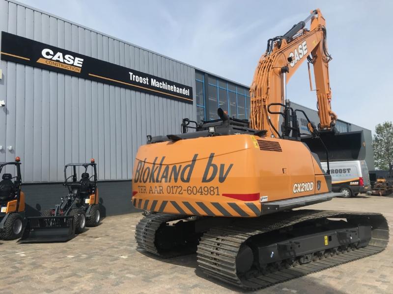 Nieuwe Case CX210D en Case CX300D voor Blokland BV
