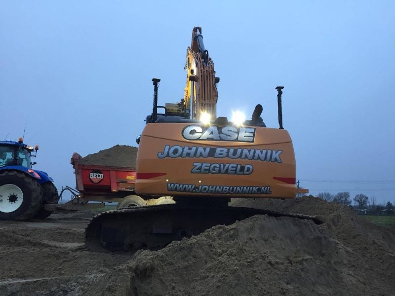 Nieuwe Case CX250D voor John Bunnik