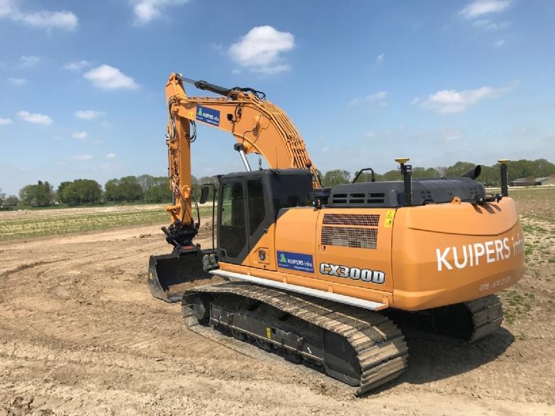 Case CX300D voor Kuipers Infra en de Zanddijk.
