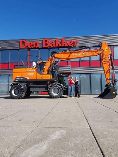 Nieuwe Doosan DX170W-5 voor Den Bakker