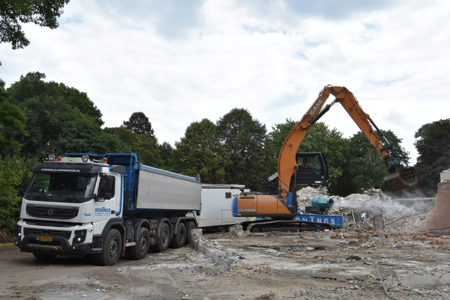 Nieuwe Case graafmachine voor Konings Sloopwerken & Recycling